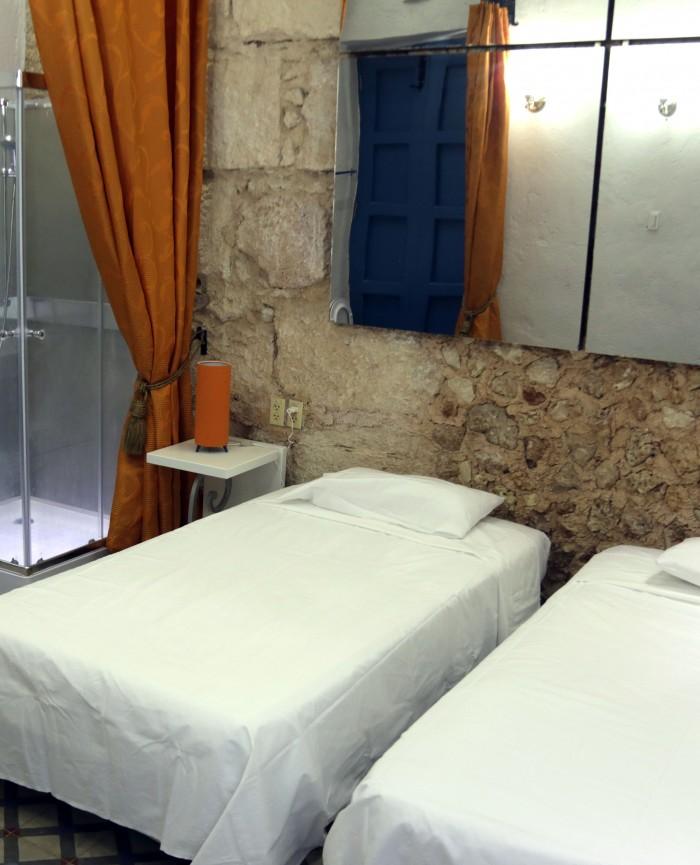 standard_room_beds2